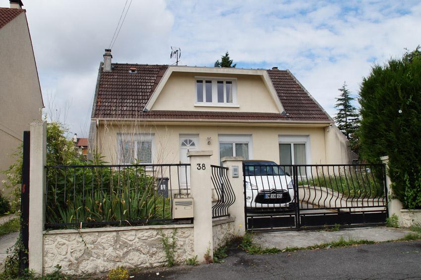 Photo façade maison avant retouches